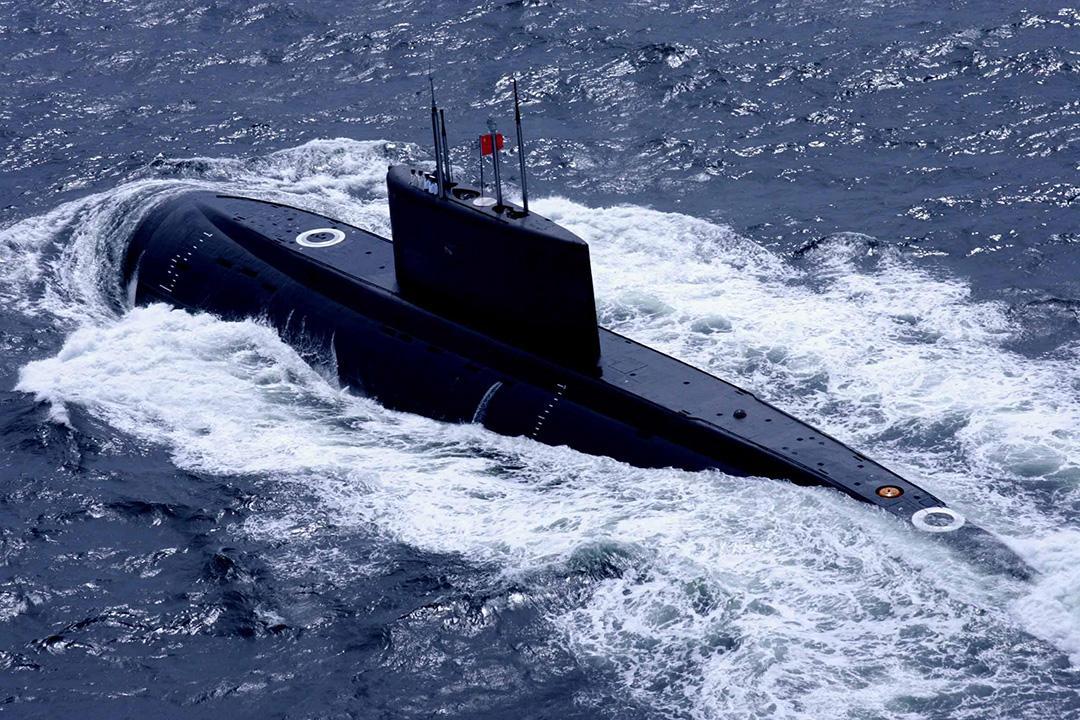 艇 解放 潜水